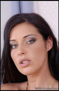 Девушка клаудия феррари фотографии с косичками, порно самые лучшие красивые